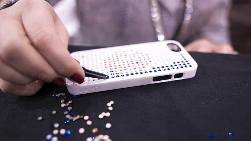 capa com brilhantes para iPhone