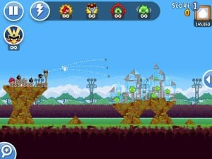 Angry Birds Friends também pode ser jogado no Facebook