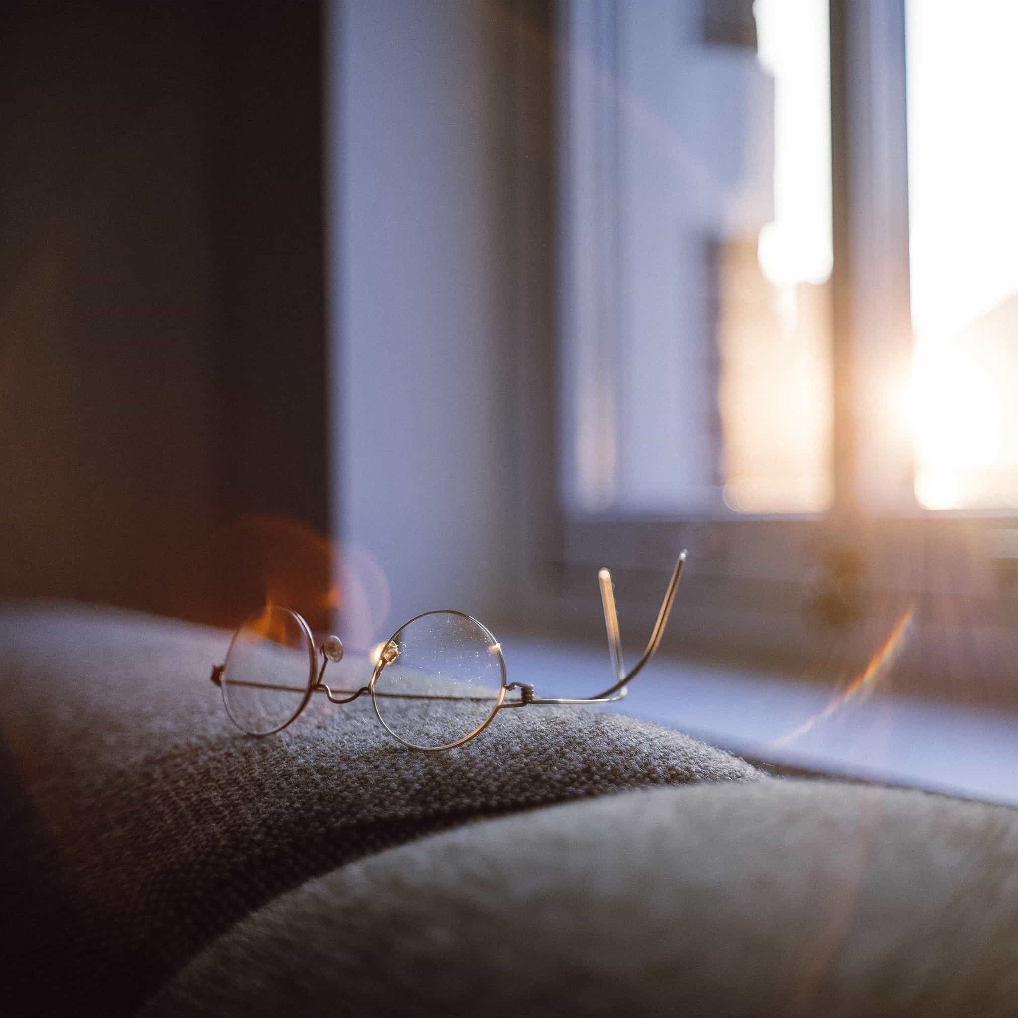 Papers.co-nh00-lonly-quiet-day-home-glasses-sunlight-android-medium