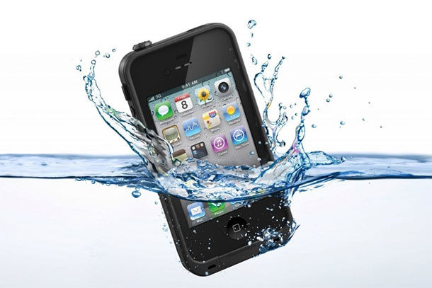 iphone-cai-na-agua-iphonecapawaterproof