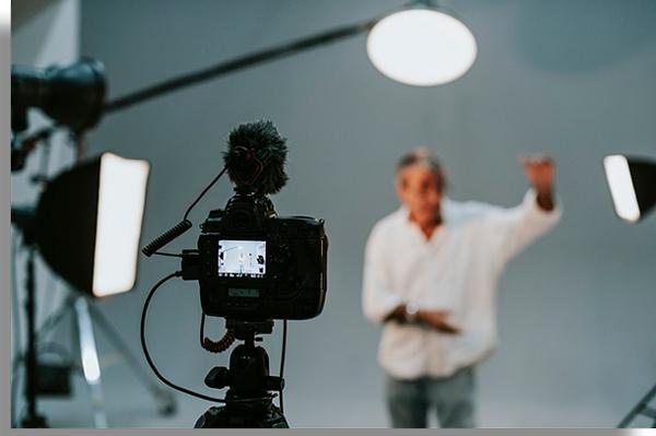 iluminação é importante para conseguir criar vídeos na internet