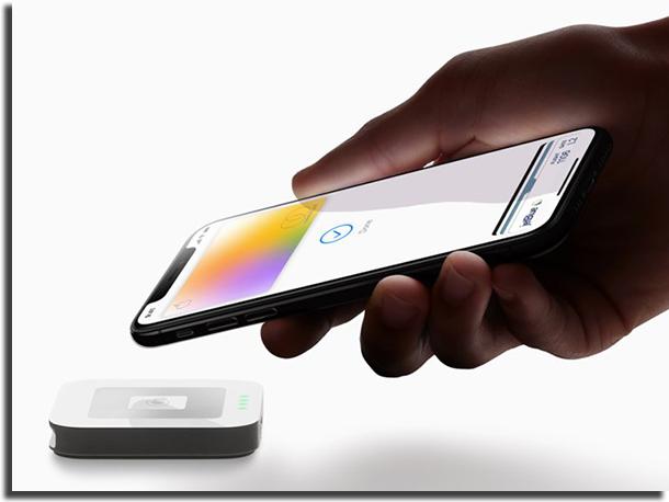 Apple Card Digital Sendo Utilizado Para Pagamento