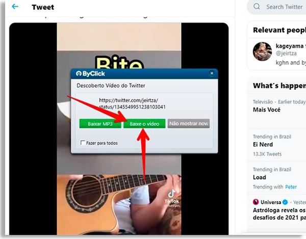 tela do byclick downloader com setas vermelhas apontando para botão baixar vídeo