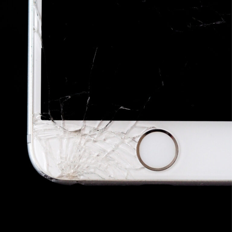 Conserto de iPhone: o que fazer para não precisar levá-lo a um