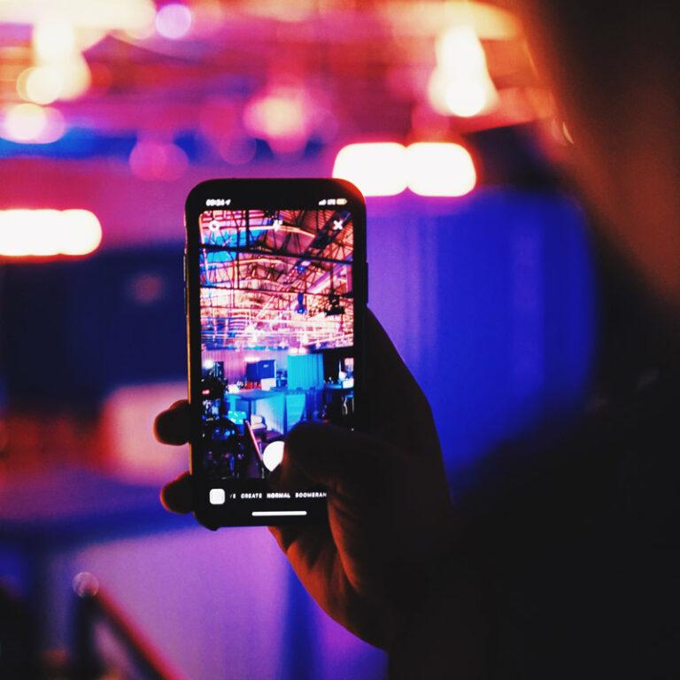 Como postar várias fotos no Stories do Instagram