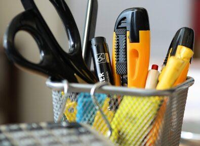 Destaque onde comprar materiais de escritório baratos