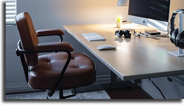 Cadeira confortável coisas que não podem faltar no seu home office