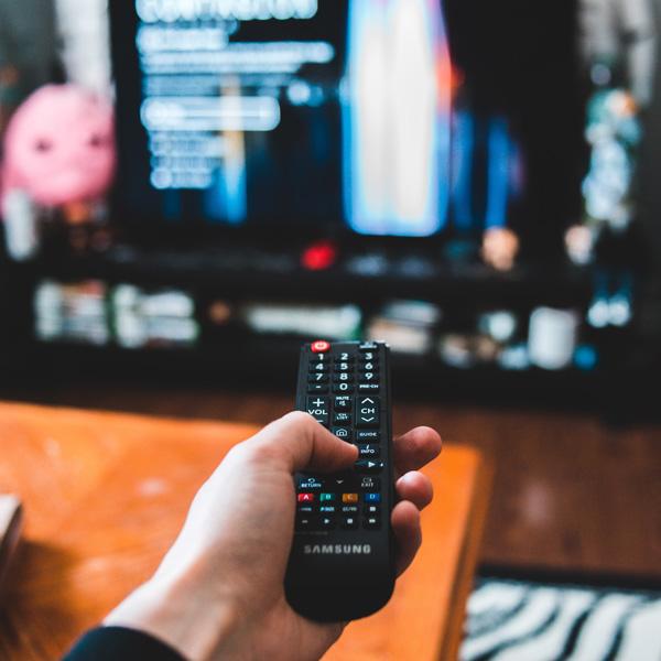 Como acessar canais IPTV legalmente?