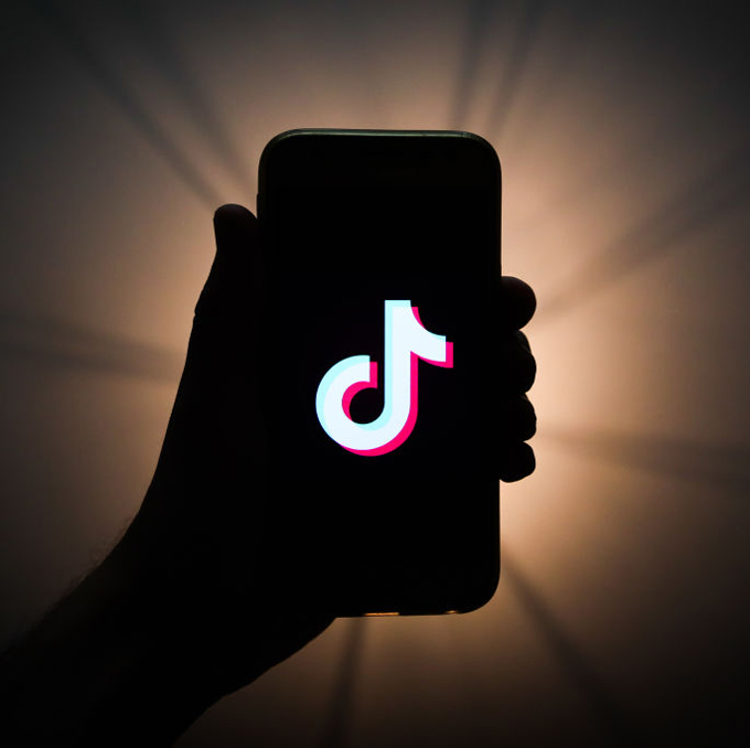 Find out which ones are the 150 best TikTok hashtags!