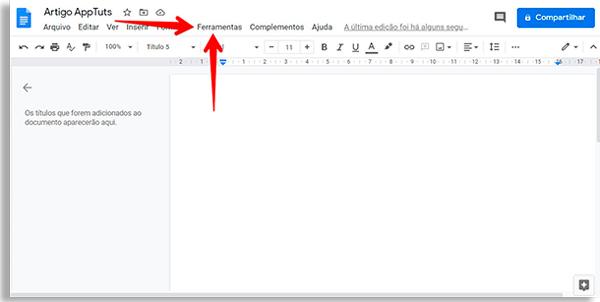 tela em branco do google docs com setas vermelhas apontando para a opção ferramentas