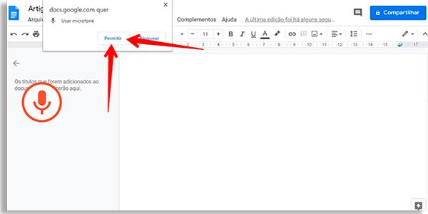 tela do google docs com notificação do navegador solicitando acesso ao microfone. Setas vermelhas apontando para o botão Permitir