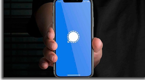 celular com tela de carregamento do signal aberta