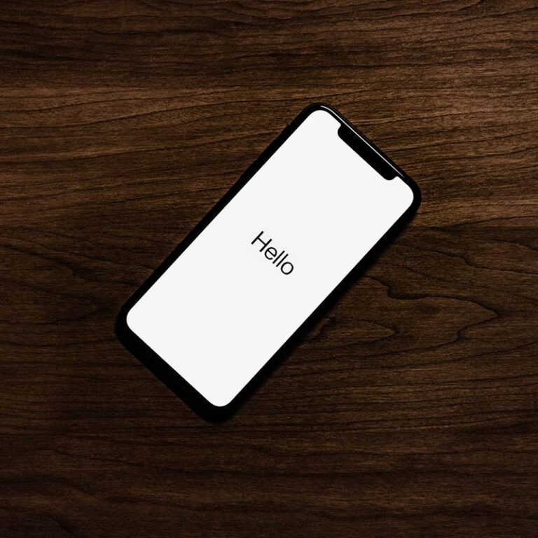 iPhone keeps shutting off – 5 tips to make it work again