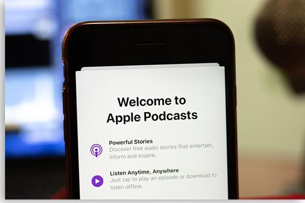 tela de início do apple podcasts no celular