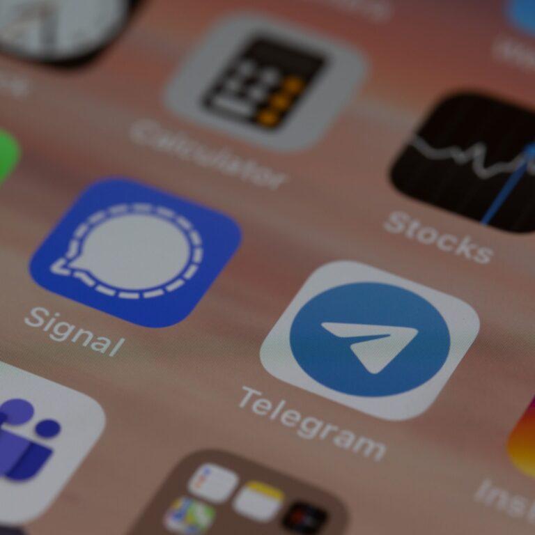 The 9 Telegram advantages over WhatsApp