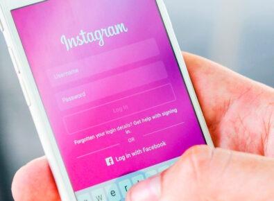 cover add line breaks on Instagram