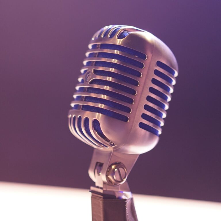 Get to know the 10 most fun voice changer apps!