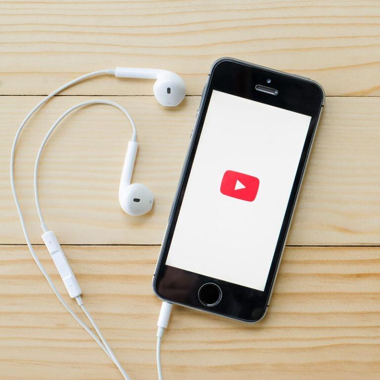 Como baixar vídeos do YouTube no iPhone!