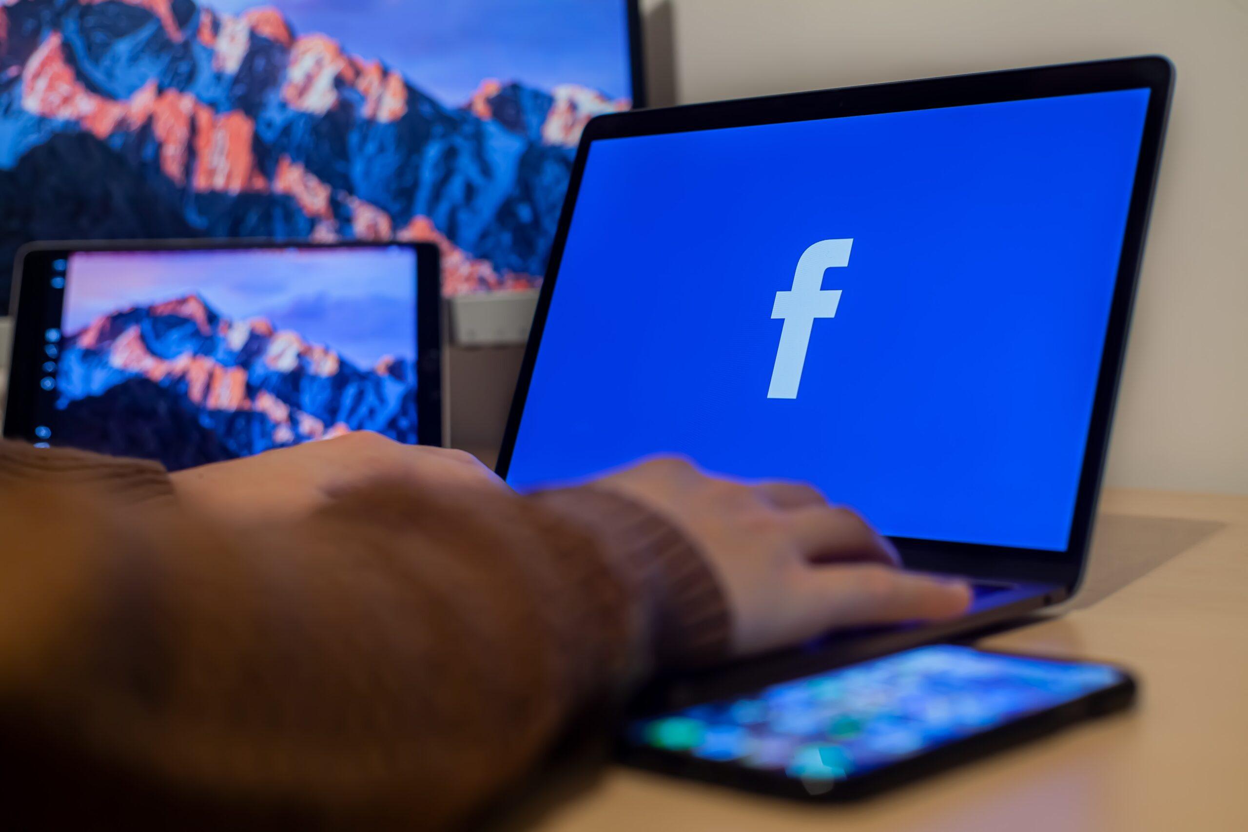 Cómo agregar un administrador a una Página de Facebook