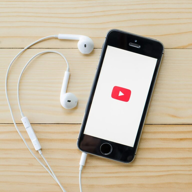How to download YouTube videos on iPhone!